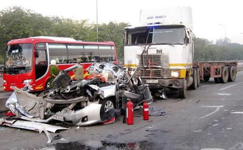 Tai nạn giao thông làm 36 người tử vong trong 2 ngày nghỉ lễ