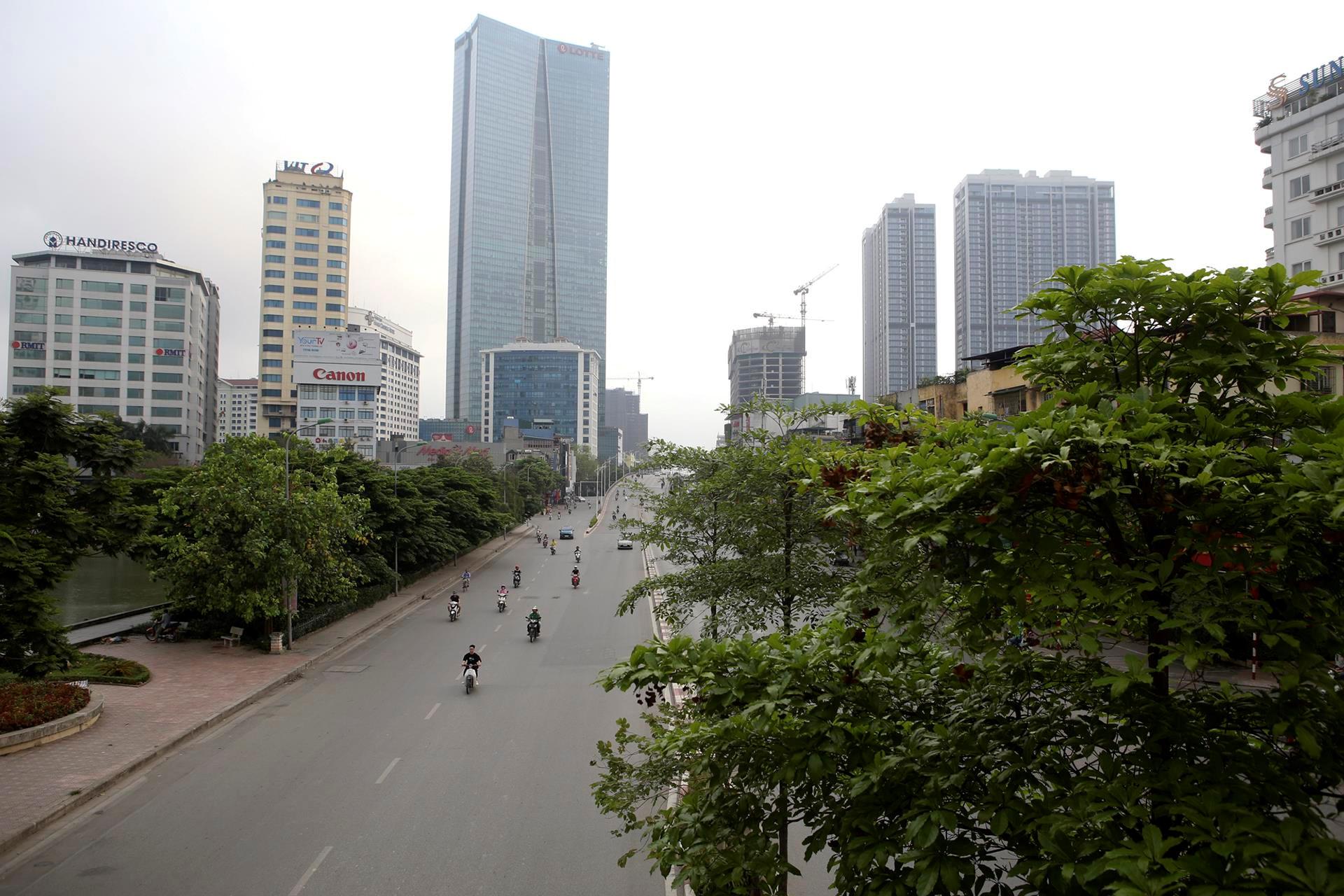 Phố phường Hà Nội lãng mạn ngày nghỉ lễ