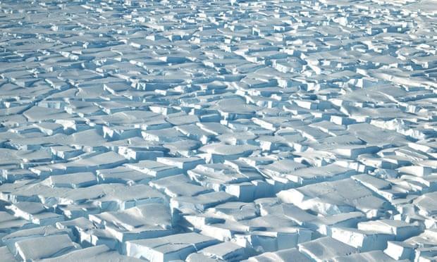 Trái Đất nóng lên khiến băng Nam Cực còn 'siêu mỏng'