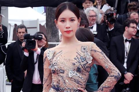 Sao nữ Trung Quốc nức nở, muốn bỏ nghề vì bị la ó khi dự Cannes