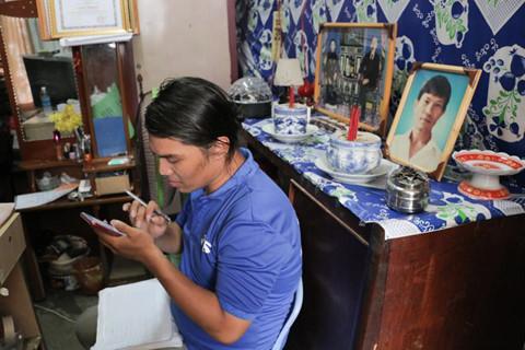 Trả 7.400 USD, Hiền muốn tiếp tục làm công nhân vệ sinh