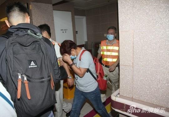 """Vợ """"đại ác nhân Hong Kong"""" đau đớn khi chồng qua đời sau 4 tháng cưới"""