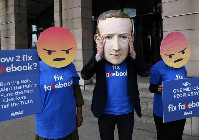 Ngay cả nhân viên Facebook cũng không còn tin Mark Zuckerberg nữa