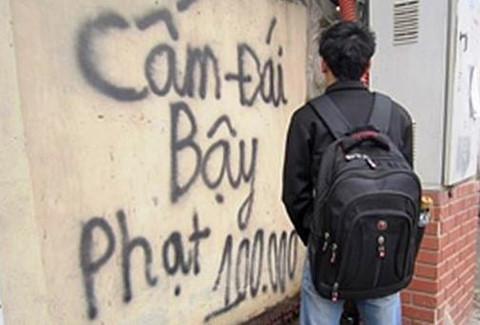 Đi vệ sinh không đúng nơi quy định ở Huế bị phạt đến 3 triệu đồng