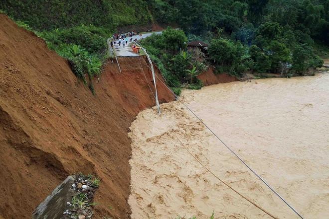 Lũ quét khiến 3 người mất tích ở Lai Châu