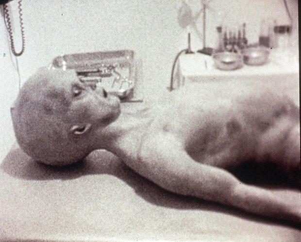 Video quay cảnh xác người ngoài hành tinh Roswell là thật?