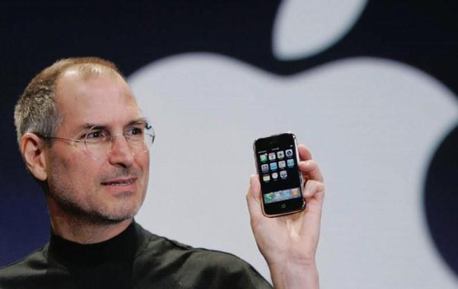 """Bill Gates: """"Steve Jobs luôn có bùa chú để cứu Apple"""""""