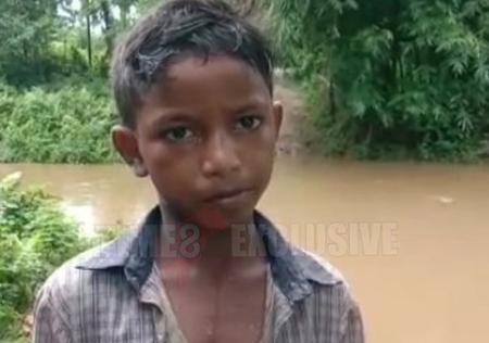 Cậu bé 11 tuổi cứu hai mẹ con khỏi chết đuối