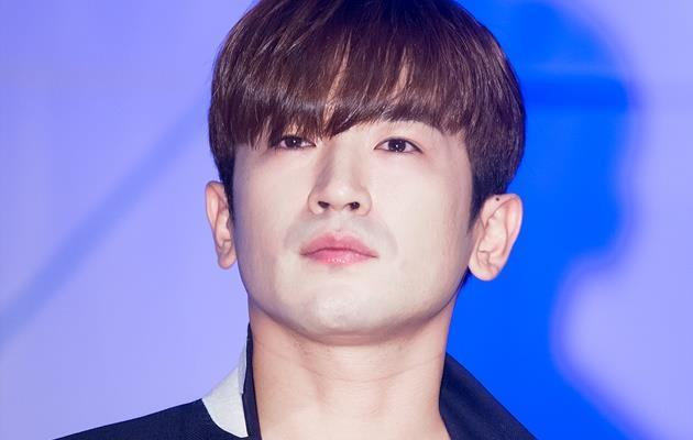 Cảnh sát phát hiện bằng chứng nam ca sĩ Hàn quấy rối tình dục