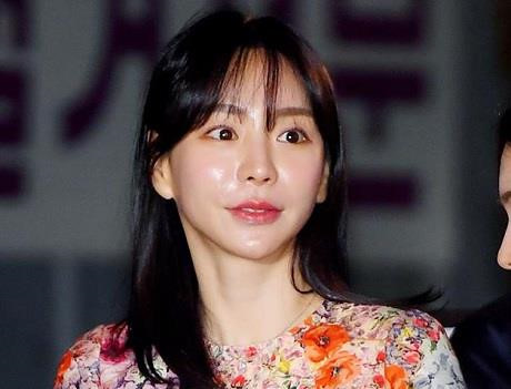 Hôn thê cũ Park Yoo Chun bị kết án 2 năm tù treo vì sử dụng ma túy