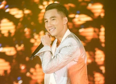 Sơn Tùng mang xe hơi vào live show, cháy hết mình cùng hàng nghìn fan