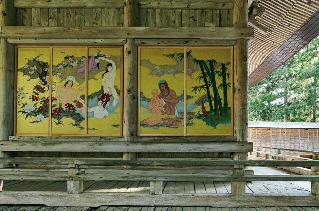 Ngôi đền Nhật Bản gây tranh cãi vì treo tranh khỏa thân