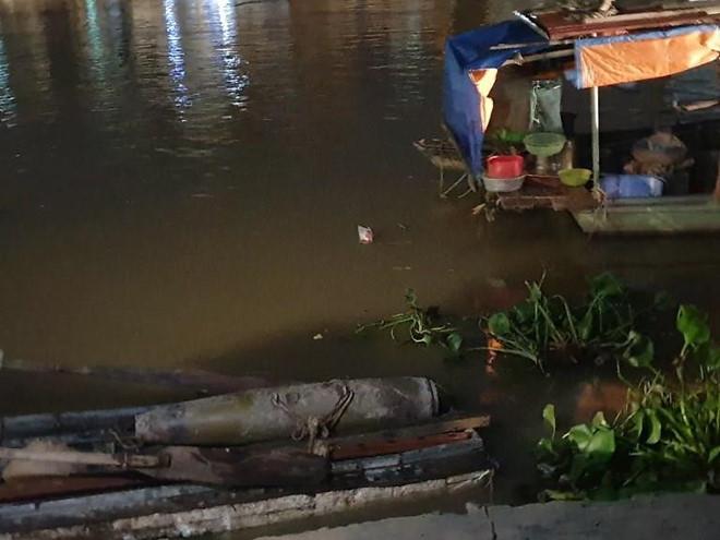 Phát hiện bom nặng hơn 100 kg dưới lòng sông Tam Bạc