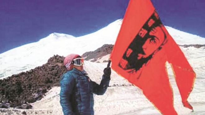 10 tuổi chinh phục đỉnh núi cao nhất châu Âu