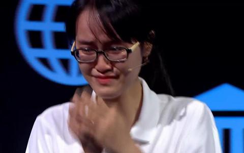 Cuộc thi tuần cuối cùng của Olympia năm 19 khiến nhiều cô gái bật khóc