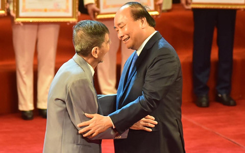 """Nghệ sĩ Trần Hạnh: """"Bất ngờ khi được Thủ tướng chúc mừng"""""""