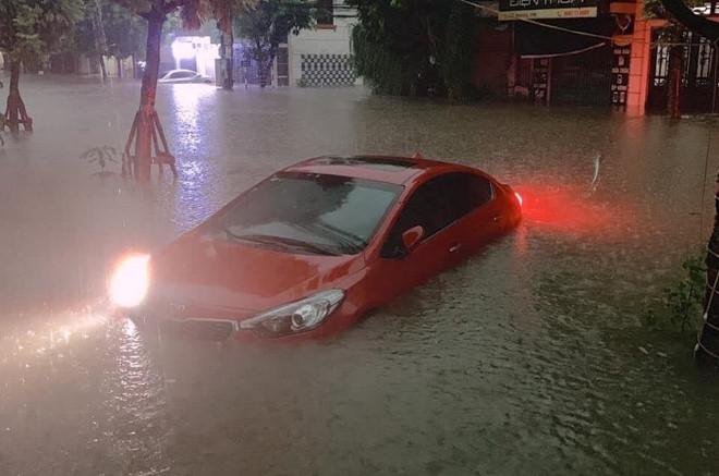 Huy động quân đội ứng cứu sau trận mưa 6 giờ liền ở Thái Nguyên