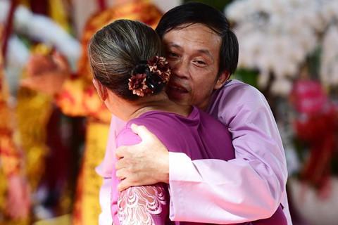 """Khi Hoài Linh nói với kẻ gian ở ngày giỗ Tổ: """"Thôi tha cho bà con đi"""""""