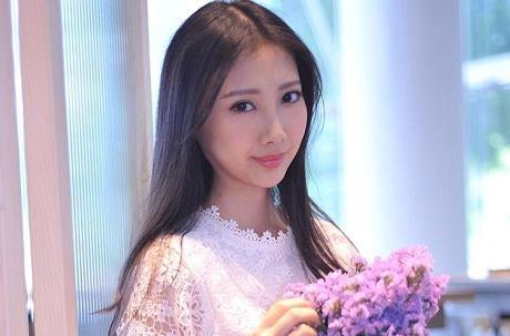 Nữ ca sĩ Hong Kong tuyệt vọng vì ung thư giai đoạn cuối