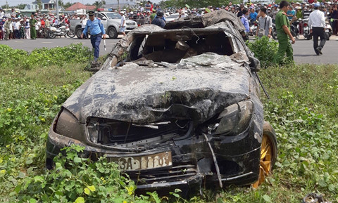 Đám tang nạn nhân vụ chìm xe Mercedes, 3 thi hài và 4 sinh mạng