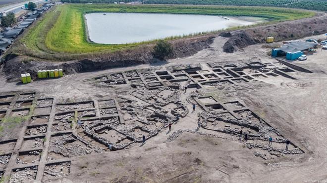 Phát hiện thành phố 5.000 tuổi khi đào đường