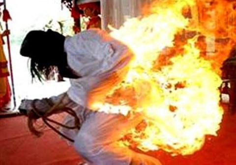Cuộc sống quá nghèo khổ, người đàn ông ở Huế châm lửa tự thiêu