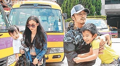 Tạ Đình Phong phủ nhận quan hệ cha con bất hòa