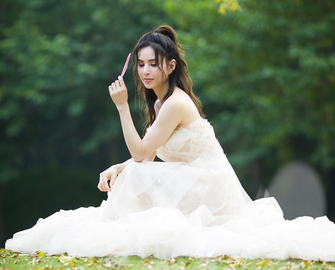Lý Nhược Đồng mặc váy cưới ở tuổi 46