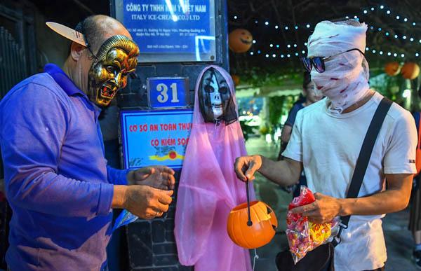 Không khí Halloween sớm ở Hà Nội