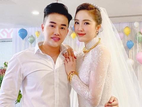 Bảo Thy đeo vòng vàng, nhẫn kim cương trong lễ cưới
