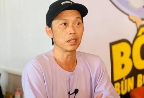 Hoài Linh dừng chương trình khi có em bé bị lạc