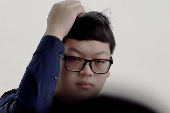 Nam sinh viên đối diện án tù vì quay lén bạn trong toilet