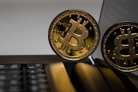 10 năm qua, giá Bitcoin tăng 9.000.000%