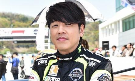 Tài tử Hàn tái hôn sau 7 năm vướng scandal bạo hành vợ