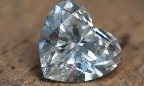 Đã tìm ra cách biến nguyên liệu hoá thạch thành kim cương