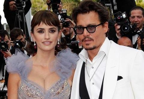Johnny Depp tiếp tục được vợ cũ, bạn thân bênh vực