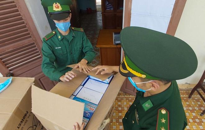 Phát hiện 10.000 khẩu trang y tế vô chủ ở Đà Nẵng