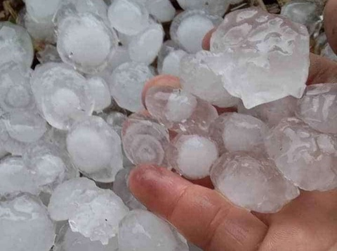 Mưa đá làm hư hỏng gần 400 ngôi nhà ở Điện Biên và Sơn La