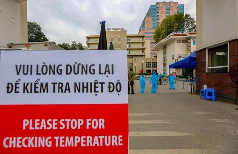 Đưa 700 người nhà bệnh nhân ở Bạch Mai cách ly tại ký túc xá ĐH FPT