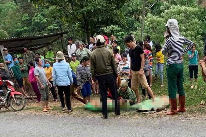 Công nông tự chế rơi xuống vực, 2 người chết