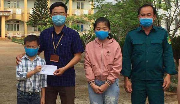 Hai học sinh dùng tiền tổ chức sinh nhật tặng lực lượng chống dịch