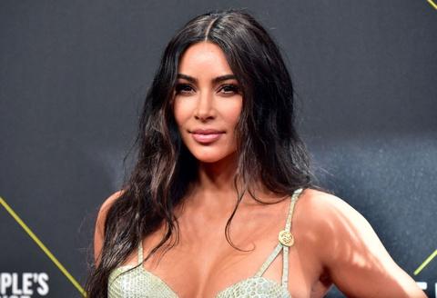 Kim Kardashian tiết lộ không tắm gội nhiều ngày