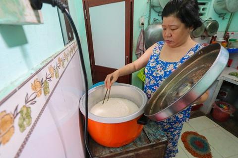 Người phụ nữ nuôi hàng chục công nhân thất nghiệp do dịch Covid-19