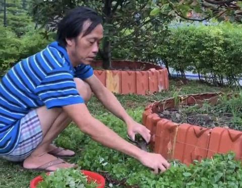 Hoài Linh ở nhà thờ làm vườn 4 tháng qua