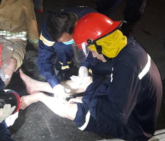 Nhiều cảnh sát bị bỏng khi chữa cháy trong khu chế xuất Tân Thuận