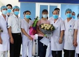 Bệnh nhân Covid-19 cuối cùng ở Bệnh viện Đa khoa Ninh Bình xuất viện