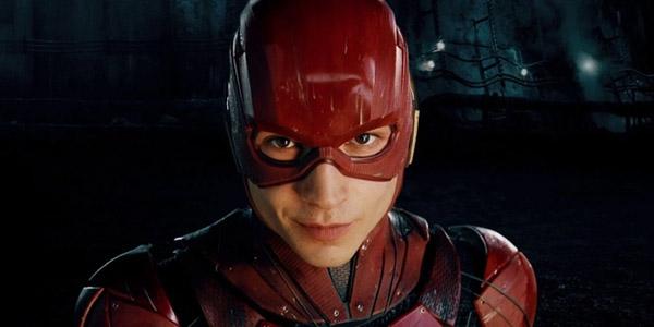 """Phim siêu anh hùng """"The Flash"""" có thể bị hủy sau vụ sao bóp cổ fan"""