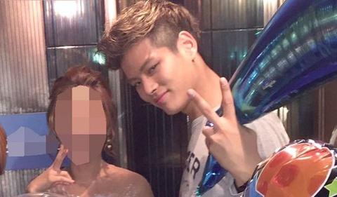 Nam ca sĩ Hàn lộ bê bối ngoại tình với đàn chị hơn 18 tuổi