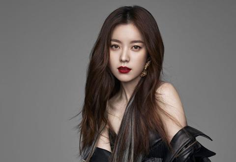 """Thị phi bủa vây cuộc đời """"mỹ nhân có nụ cười đẹp nhất Hàn Quốc"""""""