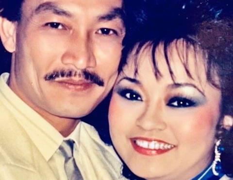 Danh ca Hương Lan khoe ảnh tình cảm với chồng hơn 30 năm trước